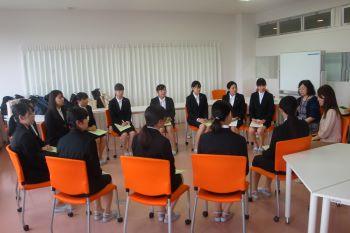 仙台市内で働く保育士の先生方と学生の懇談会を開催しました
