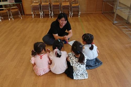 児童英語指導者をめざす学生がインターンシップ参加