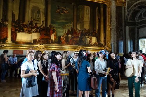 生活デザイン学科では7日間のパリ海外研修を実施しました。