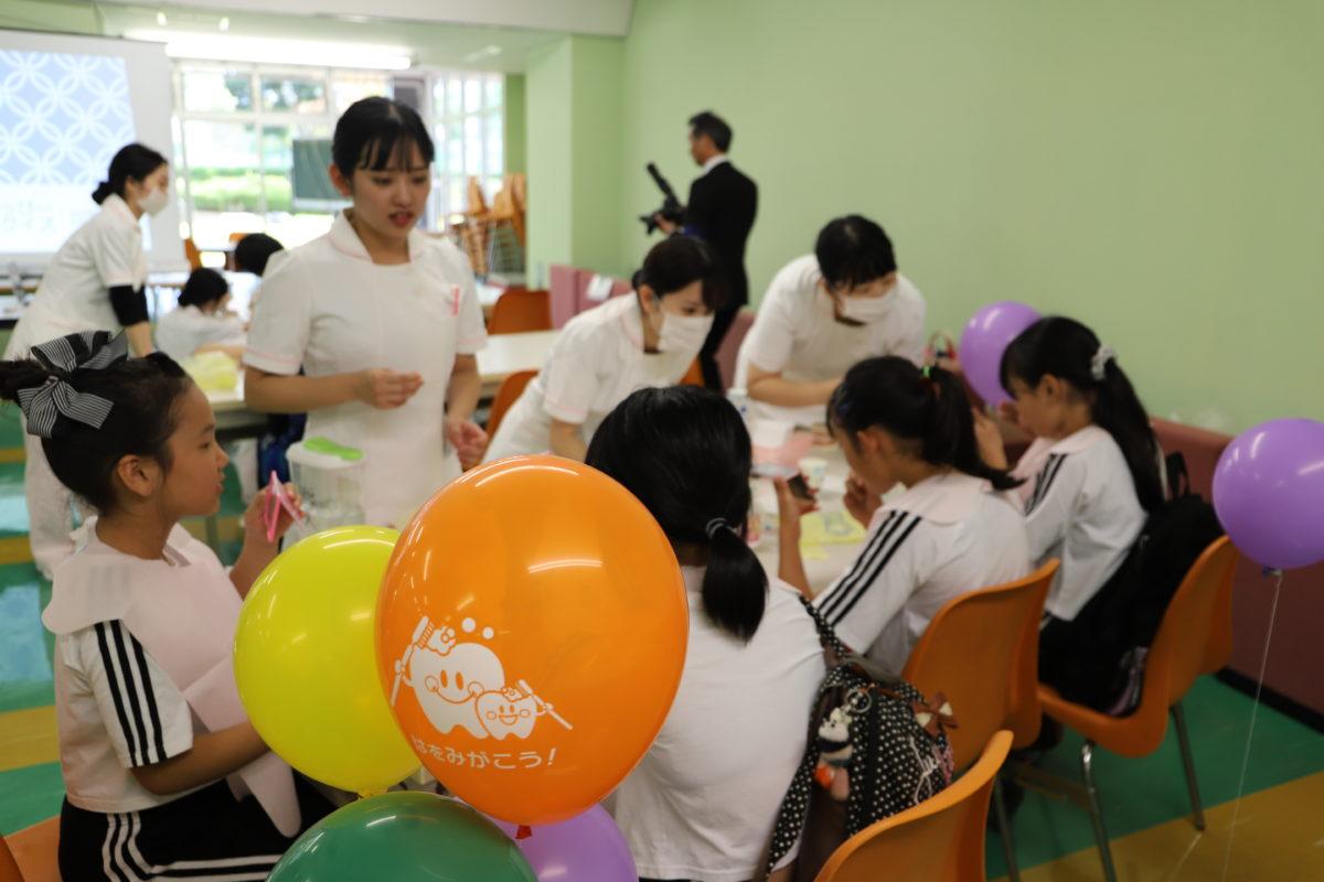 短大企画『口から始める介護予防』に歯磨き指導で参加