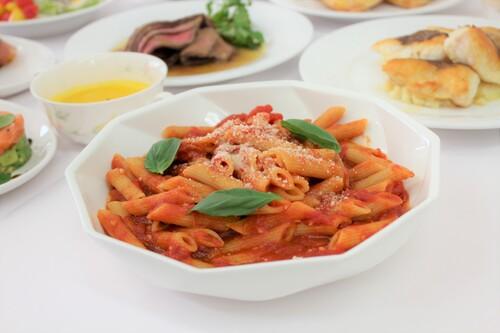 フードコーディネートコースが「ビュッフェスタイル体験授業(西洋料理)」を実施しました