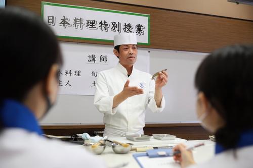 調理コースが「日本料理特別授業」を実施