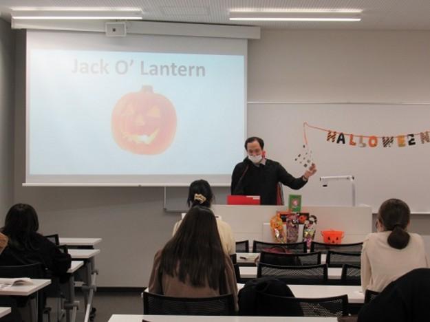 英語教育センターがハロウィンイベントを開催しました