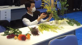 地元花材を使ったフラワーアレンジメント大会