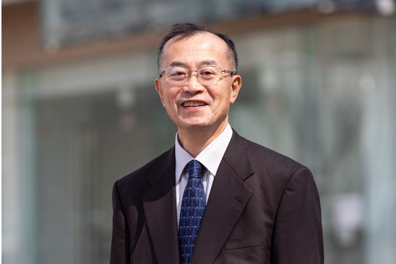 「短期大学教育功労者表彰」を青木章彦教授が受賞しました