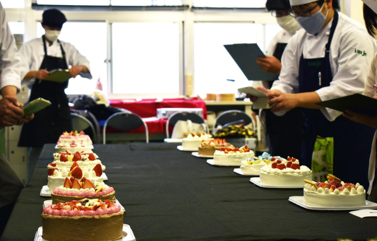 【調理師専修科】クリスマスデコレーションケーキ
