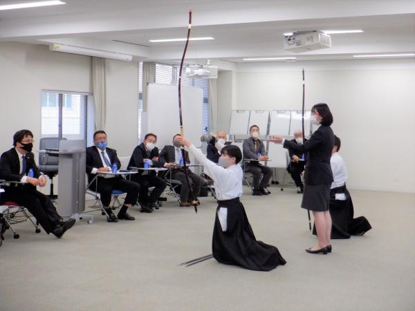 弓道部の学生が徳島県議会議員の方と意見交換会を行いました