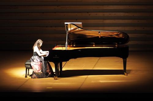 第8回大阪成蹊学園コンサート「仲道郁代ピアノリサイタル」を開催しました