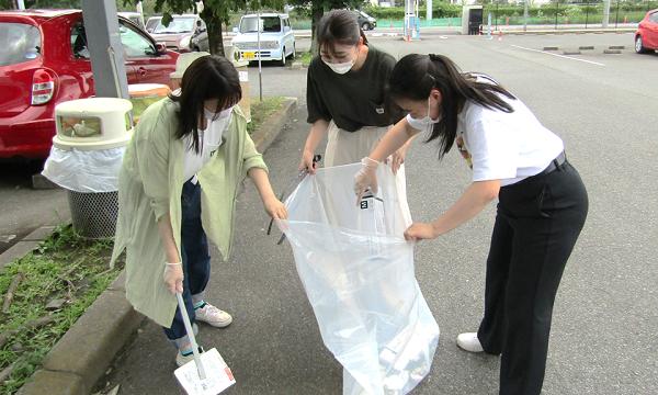 幼児教育科の学生による「学内クリーン活動」が行われました